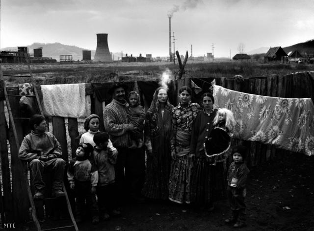 Egy kép Molnár Zoltán Romák Erdélyben című sorozatából, amely a III. díjat nyerte. Molnár Zoltán fotósorozatát a Nagyképben is megnézhetik!