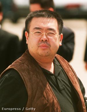 2001-es fotó Kim Dzsongnamról