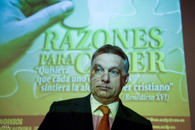 Orbán Viktor sajtótájékoztatót tart Bilbaóban