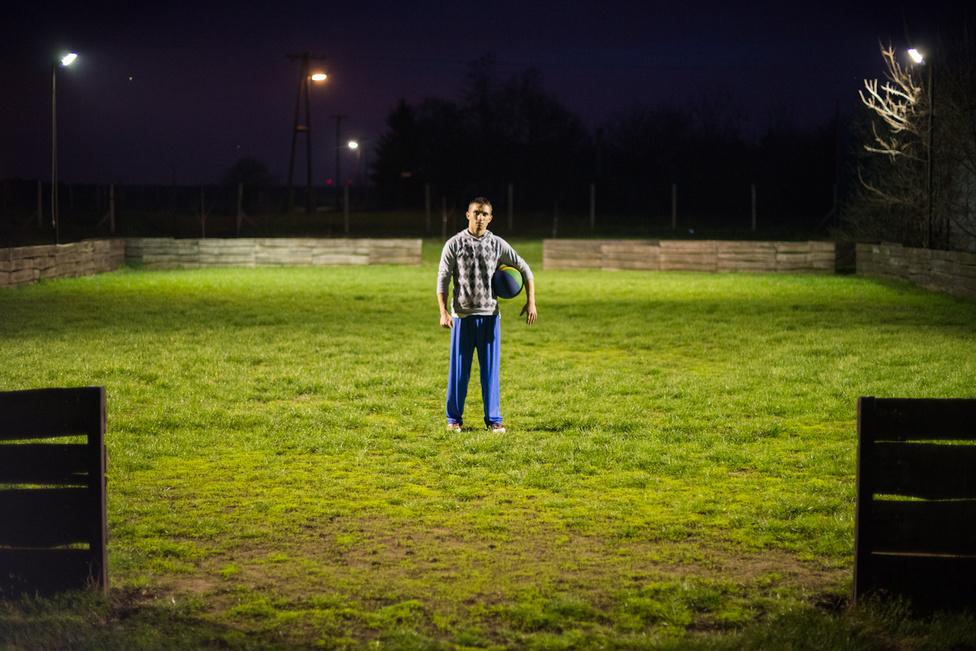Minden este fociznak a lakók, a sportesemények megszervezésének is külön felelőse van.