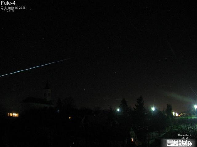 meteorita-fulemeteor.jpg-2013-04-17-01-21-00