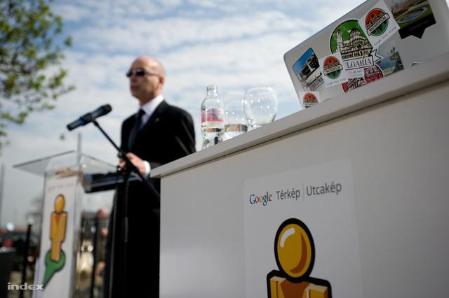 Péterfalvi Attila a Nemzeti Adatvédelmi és Információs Hatóság elnöke a Google Streetview-t elindító rendezvényén