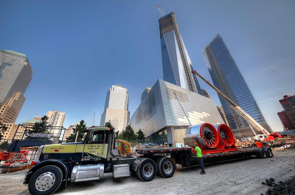 2012. július, megérkeztek a hatalmas ventilátorok, amelyek a metrómegálló szellőzését oldják majd meg.