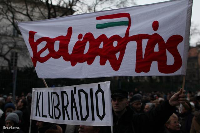 Tüntetés a Klubrádióért 2011 decemberében