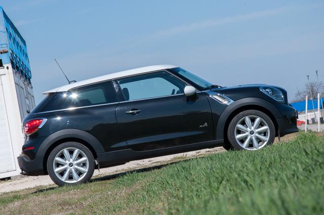 Egy fokkal szebb kupé, mint a Mini Coupe