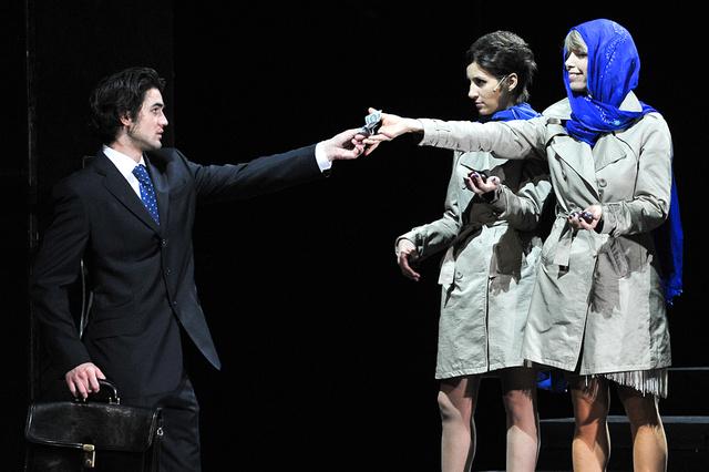 Péterfy Bori a Jó estét nyár, jó estét szerelem című darabban 2010-ben