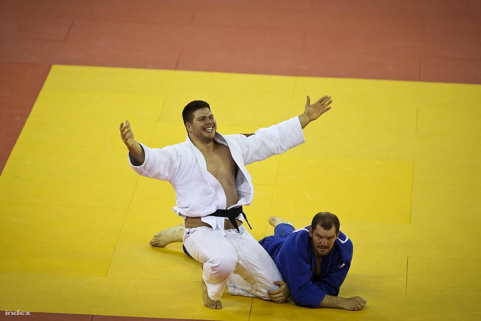 A bronzérmes Bor Barna átölelné a világot