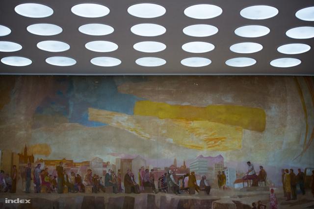Bernát Aurél templomi hangulatot árasztó munkásmozgalmi freskója