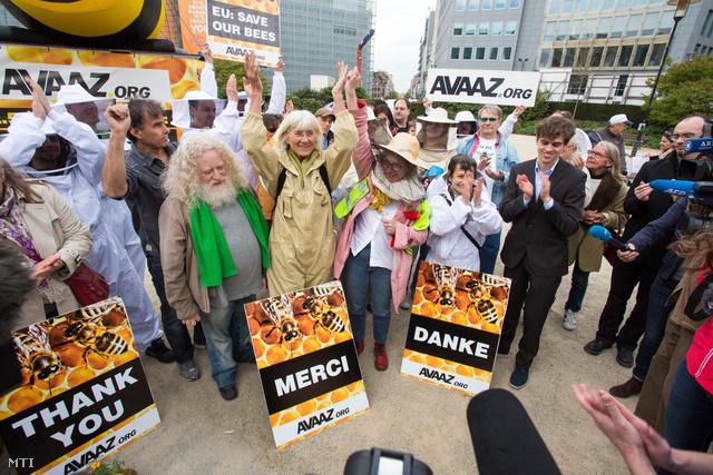 A neonikotinoid kétéves tiltását ünneplik Franciaországban