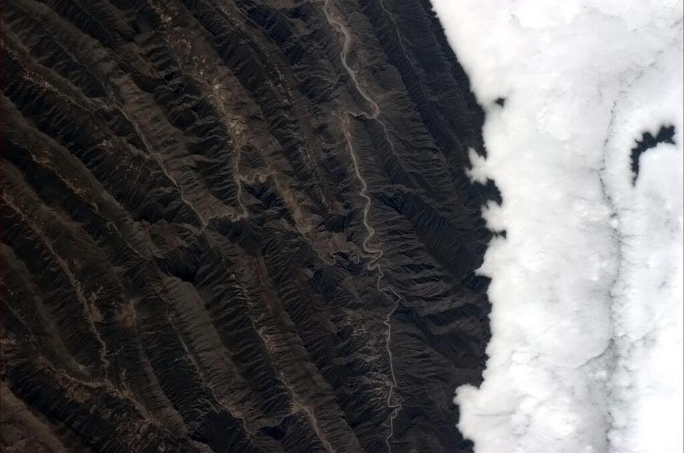 Csendes-óceáni felhők torlódnak fel a mexikói partoknál