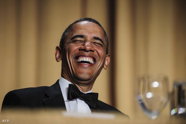 Obama nagyon élvez valamit.