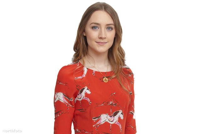 """Saoirse Ronan a """"The Host"""" című film fotózásán márciusban"""
