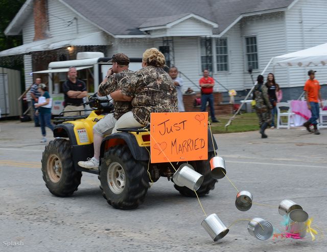 És mi más lehetett volna az esküvői limuzin, mint egy quad?