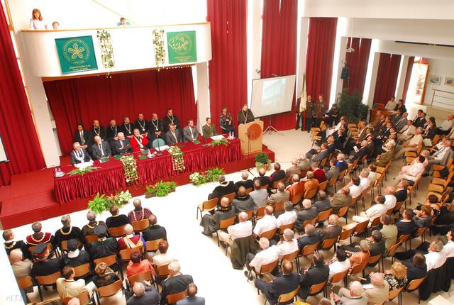 A Nyugat-magyarországi Egyetem Erdőmérnöki Karának 200 éves jubileumi díszünnepsége 2008-ban
