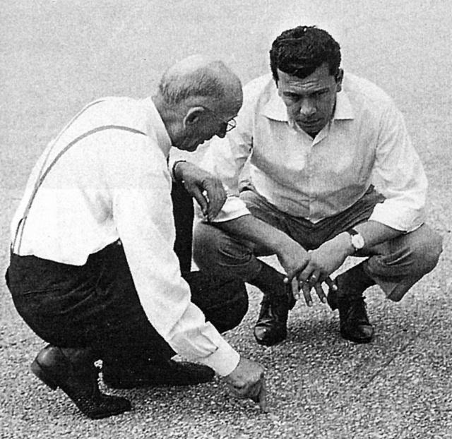 Vittorio Jano és Franco Rocchi a monzai GP előtt 1962-ben (Fotó: Collection Burányi)
