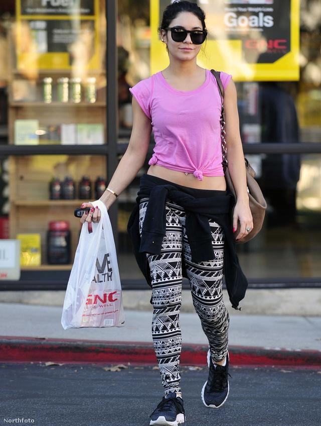 Vanessa Hudgens leggingse (bónusz haspólóval).