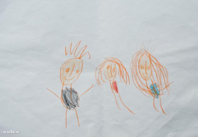 A képet az óvodás Angi készítette, amikor megkérték, rajzolja le a családját. Az édesapját, az édesanyját és saját magát rajzolta le.