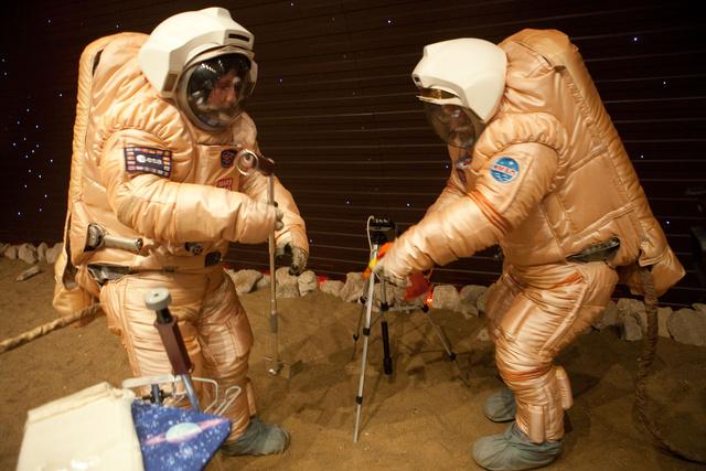 A Mars 500 önkéntesei tréningeznek