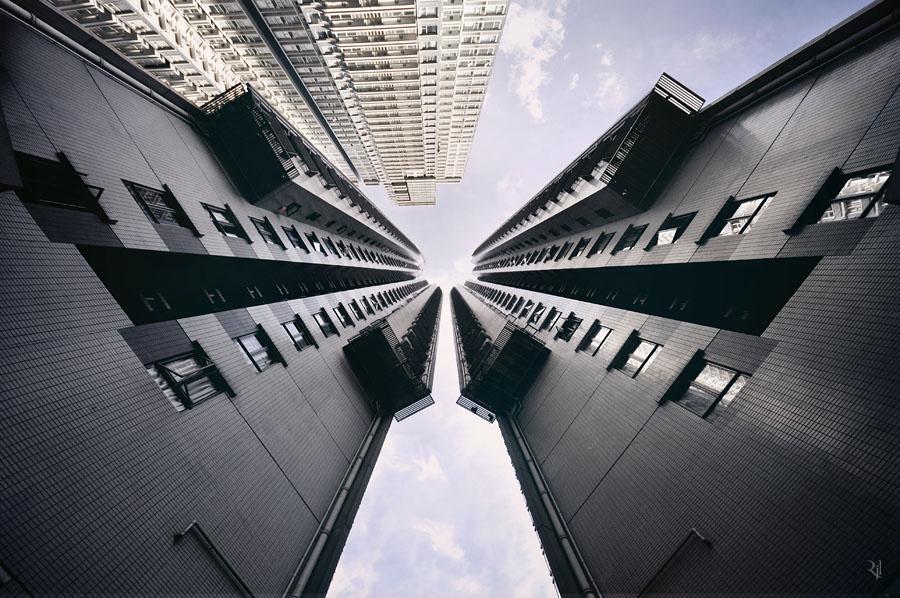Hongkongban 294, legalább 150 méter magas épület van. Ez a felhőkarcoló általánosan elfogadott definíciója a világon, nagyjából 40 emeletnek felel meg.