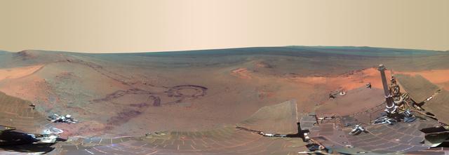 Panorámakép a Marsról az Opportunity napelemeivel az előtérben