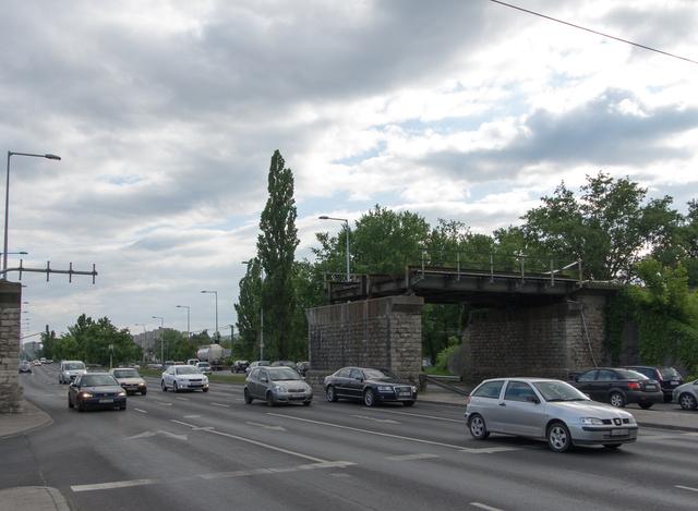 Felújítják a vasútvonalat, vele együtt újjáépítik a hidat is