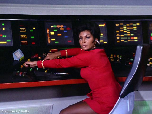 Nichelle Nichols Uhura hadnagyként