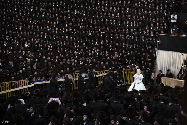 Kb. 25 000 néző volt jelen