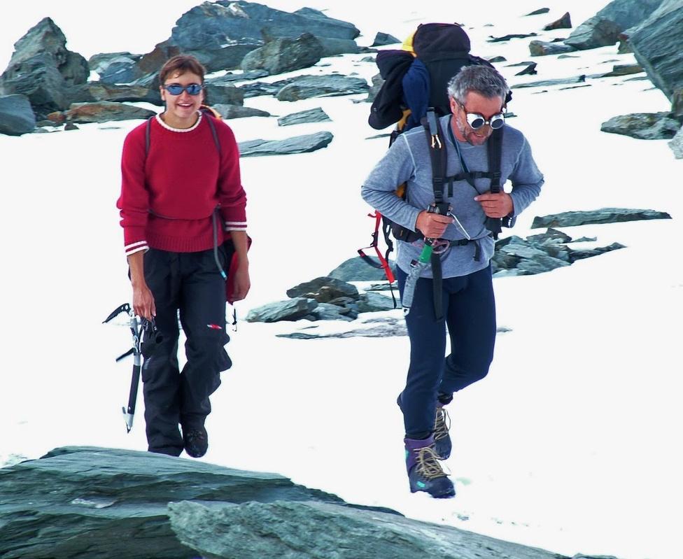 Sterczer Hilda, a későbbi feleség egyik első túrájukon. A lány három                         8000 méteres hegyre is feljutott férjével.