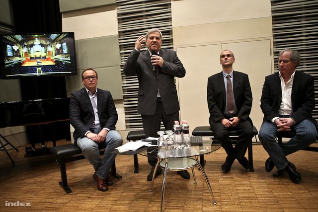 Szabó Stein Imre, a zeneakadémia kommunikációs igazgatója, Batta András rektor, Csonka András kulturális igazgató és Keller András, a Concerto Budapest zeneigazgatója