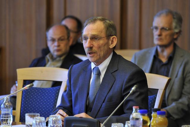 Pintér Sándor a belügyminiszter éves meghallgatásán, május 24-én