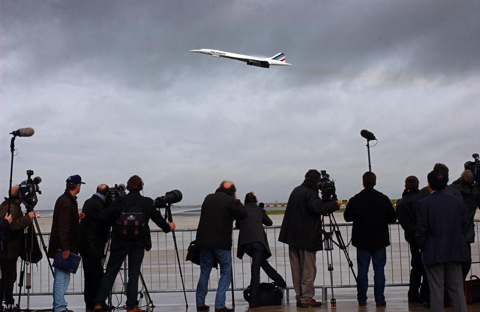 Bár kerekek és az üzemanyagtartály megerősítése után a Concorde-ok újra repülhettek, a 911-es események és az amúgy is csökkenő érdeklődés miatt a géptípus napjai meg voltak számlálva. A baleset után az első gépek 2001. november 7-én szálltak fel.