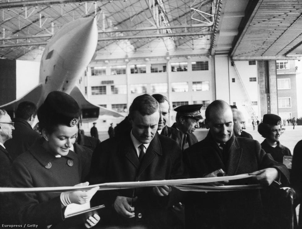 A prototípus avatási ünnepsége Toulouse-ban, 1967. december 12-én. A Concorde átlagos utazósebessége 2,04 Mach, vagyis 2500 kilométer volt óránként. Maximális repülési magassága elérte a 18 300 métert.