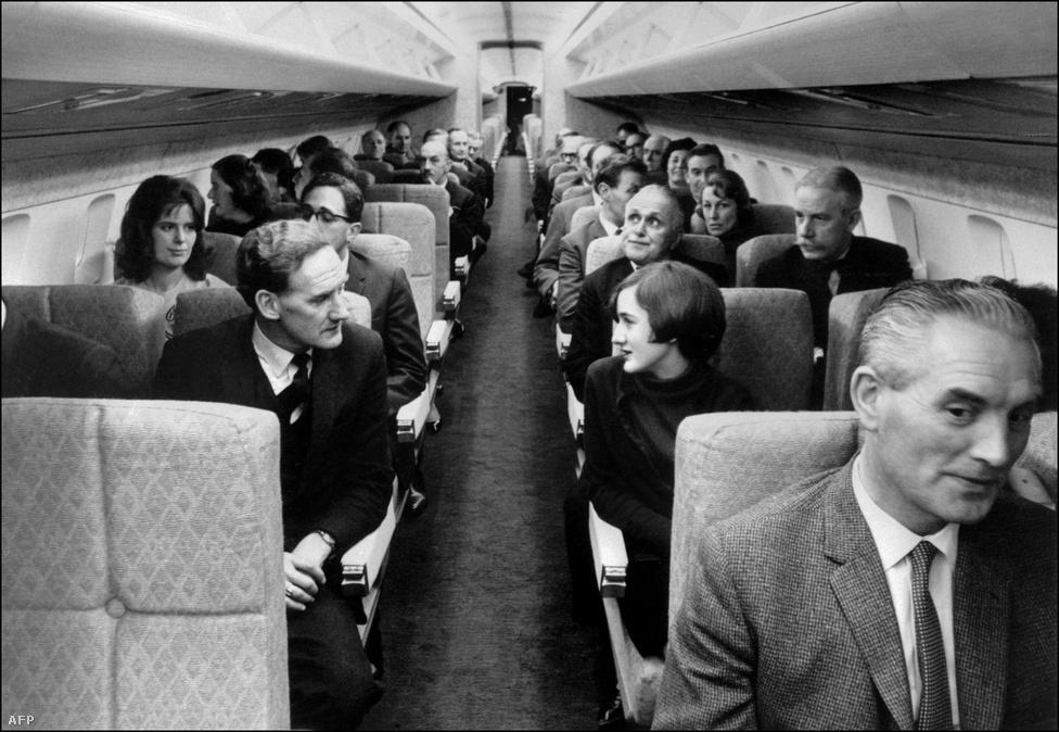 A nagy magasságban történő repüléstől már a tervezés alatt is féltették az utasokat. A tervezők ugyanis nem tudták, mennyivel nagyobb sugárzás éri a gépet a hagyományos magasságban megtett utakhoz képest, és nem tartották lehetetlennek, hogy a bőrrák kialakulásának kockázatát is megemeli majd egy-egy út a Concorde-dal. Az utastérbe így sugárzásmérő berendezéseket telepítettek, amik jelzésére a gép 14 000 méter alá süllyedt volna, hogy a légkör jobban szűrje a káros sugarakat.