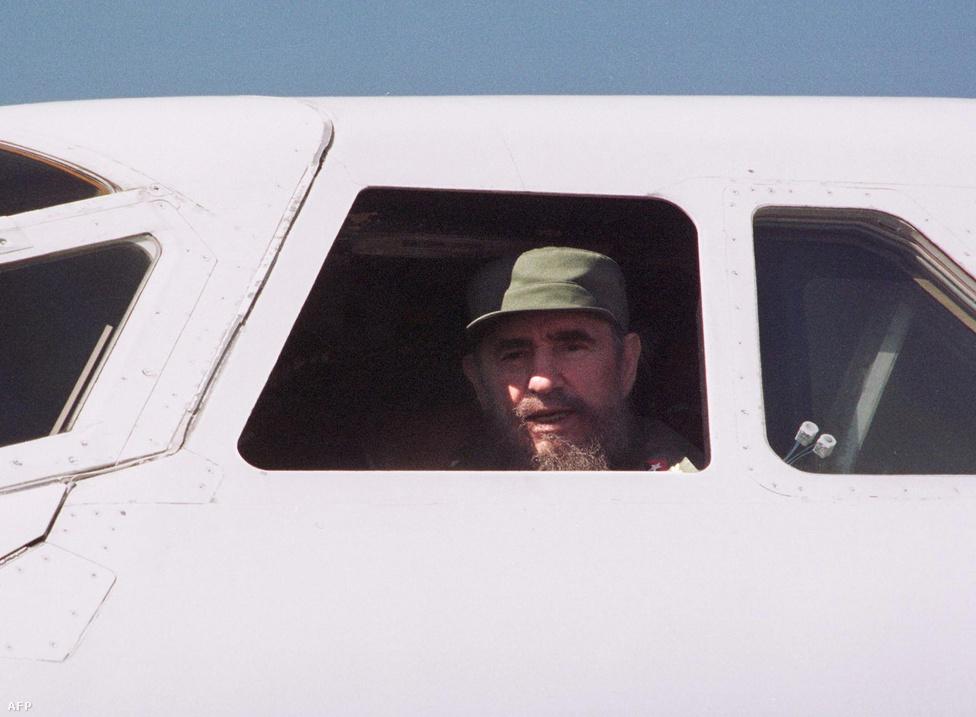 Fidel Castro kubai elnök tekint ki a Concorde pilótafülkéjéből. A gép 1997 december 31-én szállt le először a kommunista szigetországban, a havannai Jose Marti Nemzetközi Repülőtéren. A járaton főleg brit üzletemberek utaztak, Castro a leszállás utáni köszöntési ünnepség alatt járta be a gépet.