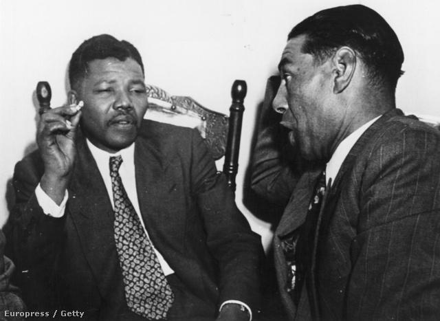 Nelson Mandela 1964-ben, mielőtt életfogytiglani börtönbüntetésre ítélték