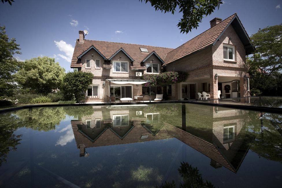 Egy átlagos családi ház a 300-ból a falakon belül.