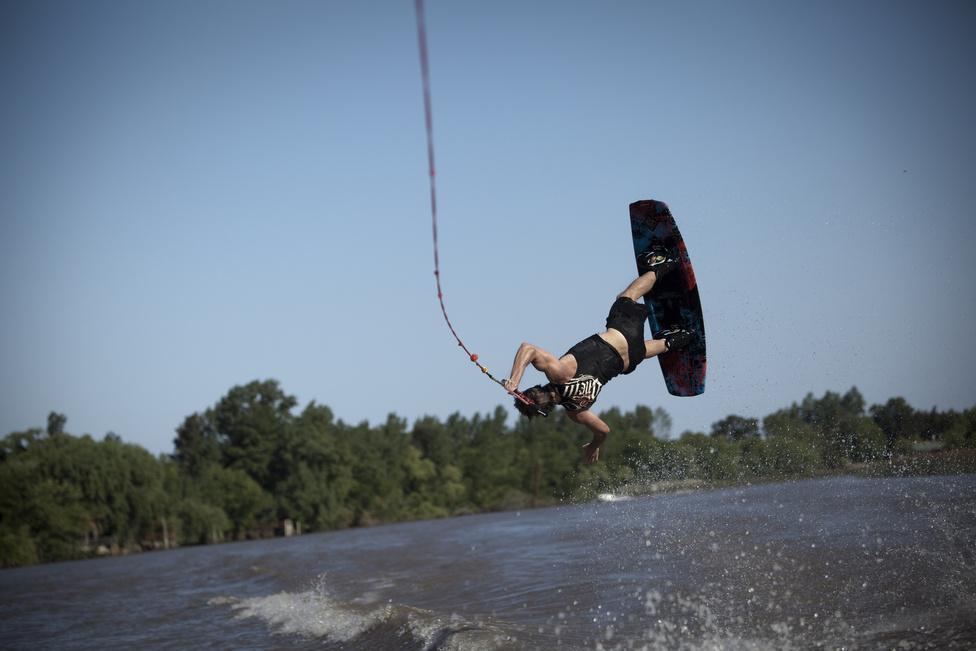 A vizisí kedvelt sport a Rio de la Plata környékén élő gazdagok körében.