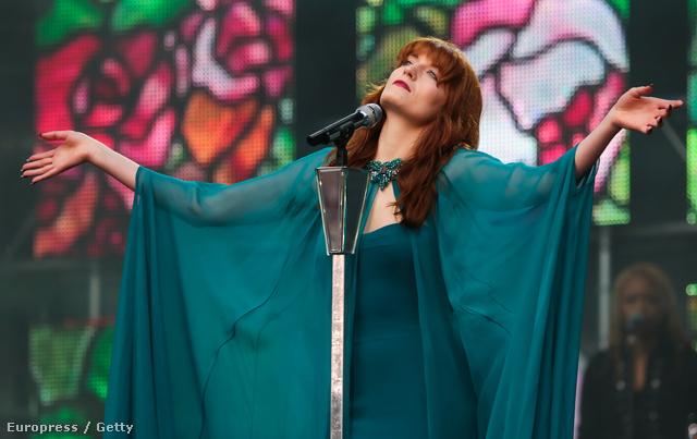 Végre valaki, aki elüt a többiektől: Florence Welch
