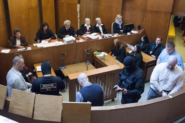 A romagyilkosságok tárgyalása 2013. június 4-én