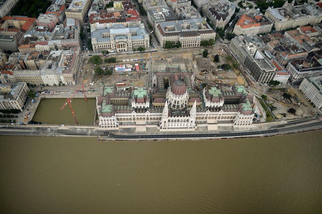 4097 Dunai legiszemle