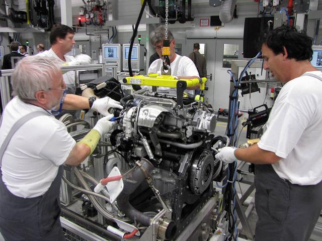 Jelenleg minden kész motort leellenőriznek, később már csak nagyjából a termelés két százalékát