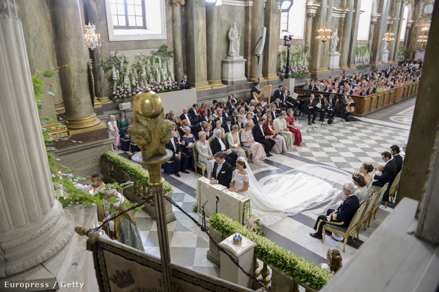 A Madeleine hercegnő (teljes nevén Madeleine Thérèse Amelie Josephine Bernadotte) szombaton ment férjhez Christopher O'Neill brit-amerikai pénzügyi menedzserhez Stockholmban.