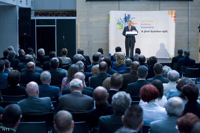 Orbán Viktor miniszterelnök beszédet mond az Audi Hungaria új járműgyárának avatóünnepségén.