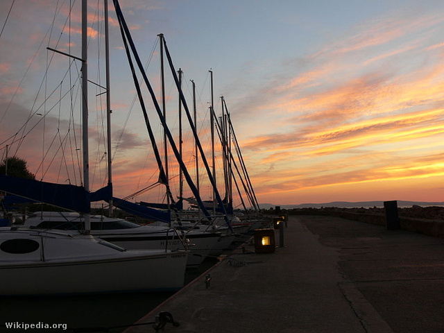 Balatonföldvár kikötő
