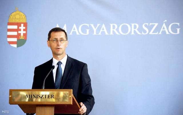 Varga Mihály hétfői bejelentése