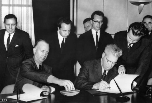1963. június 20. N. Stelle és S. Carapkin aláírja a megállapodást az USA és a Szovjetunió közti közvetlen telefonos kapcsolat kiépítéséről