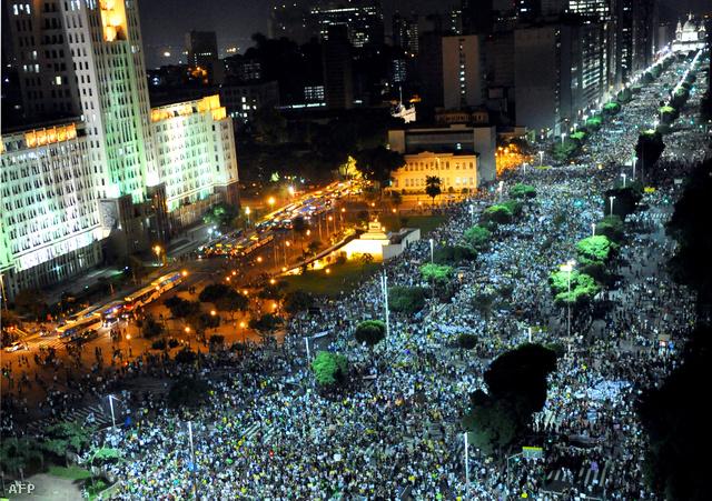 Óriási tömeg június 20-án az utcán Rio de Janeiroban