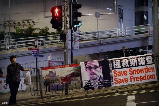 Edward Snowden portréja egy hongkongi plakáton