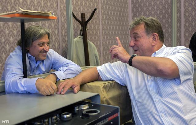 Badár Sándor az RTL Klubról a köztévére menekült Fábry disznó viccein röhög
