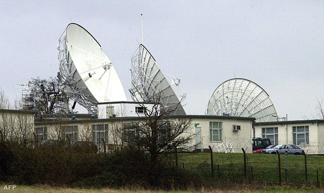 A Benhall radarbázis Londontól 150 kilométerre. A telepet szintén az Echelon rendszer részének tartották a kétezres évek elején